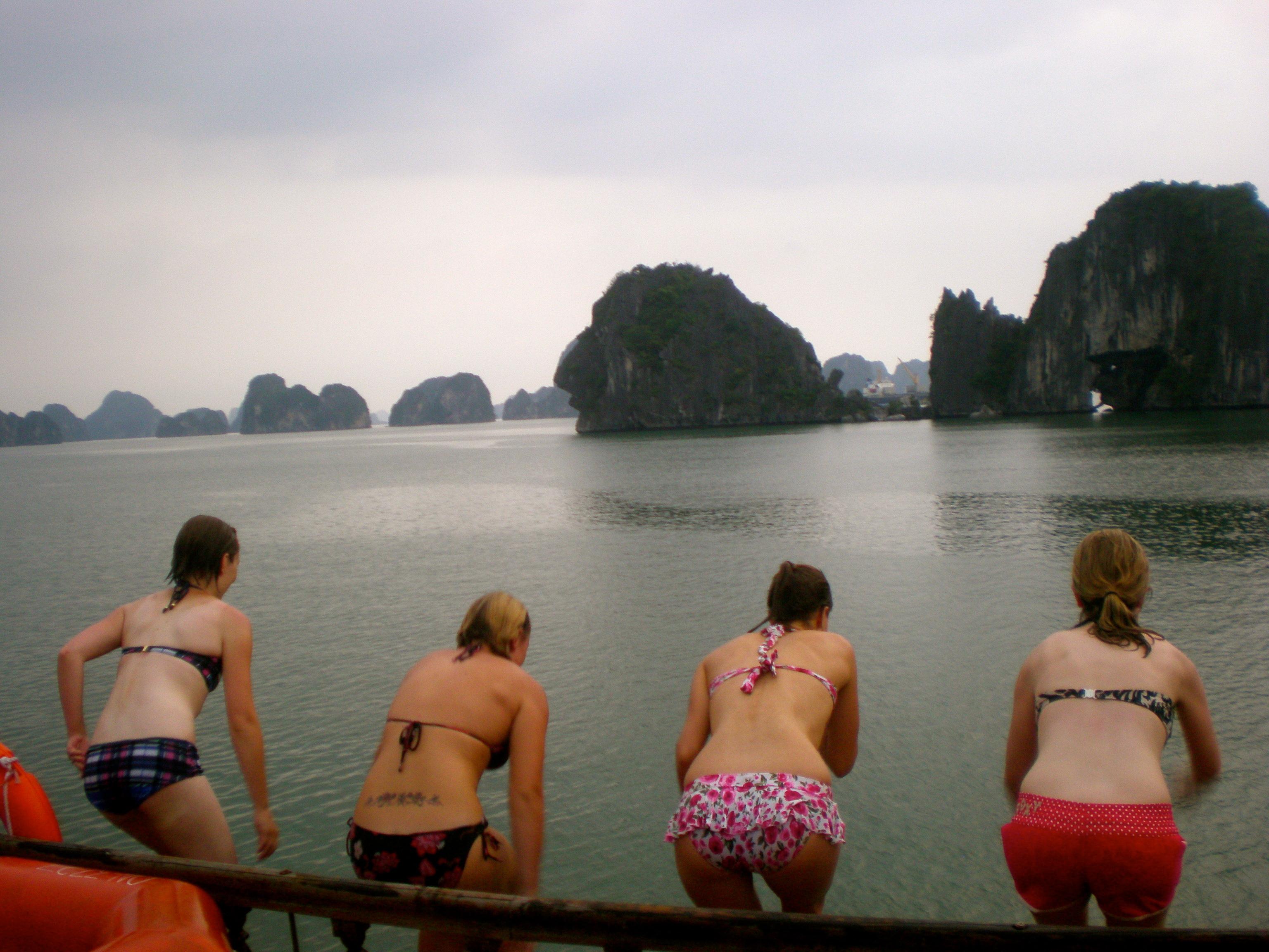 Halong Bay dive